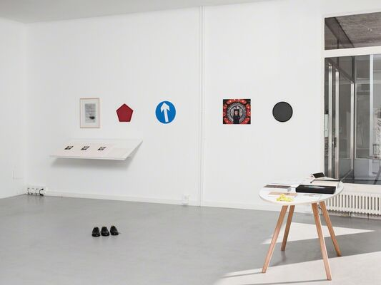 Spring Sale Time, installation view