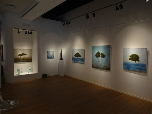 """""""Balance and Escape"""", featuring Jessica Pisano and Samantha French, installation view"""