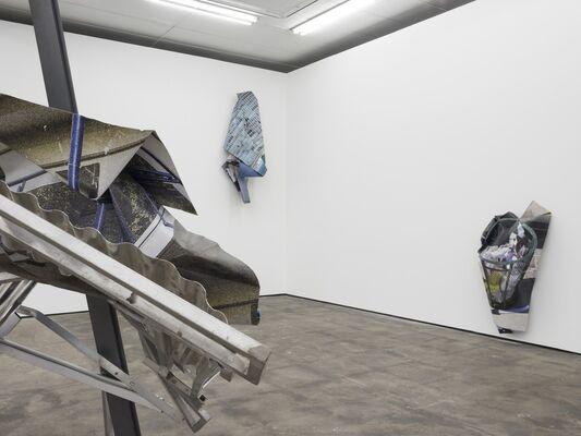 Olaf Metzel - Plattenbau, installation view