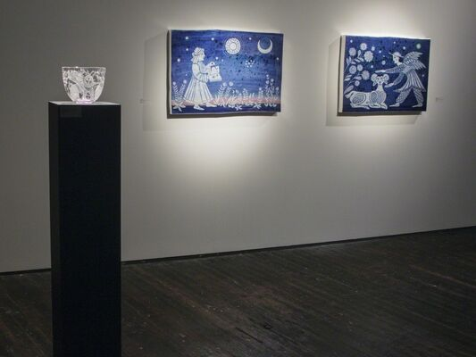 Heike Brachlow: Chaos Theory and Cappy Thompson: Bright Blue Light, installation view