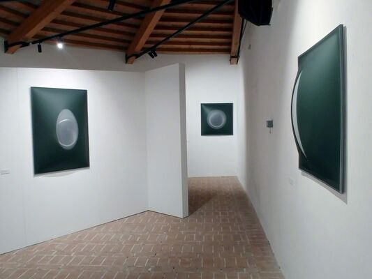 Due artisti - Una mostra, installation view