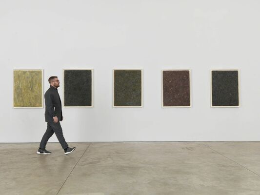 Milton Resnick: Boards 1981–1984, installation view