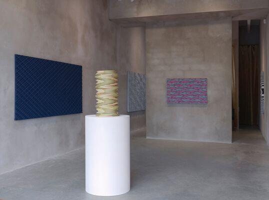 Ara Peterson, Neon Gray, installation view