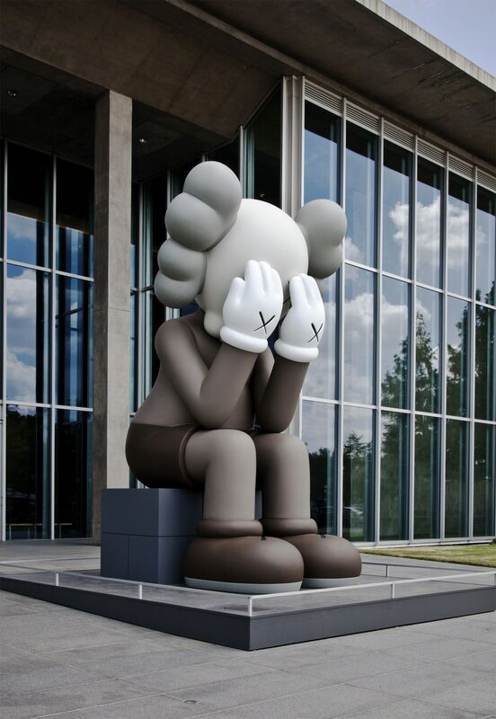 KAWS, 'KAWS COMPANION (PASSING THROUGH)', 2010, Sculpture, Fiberglass, metal structure and paint, Modern Art Museum of Fort Worth