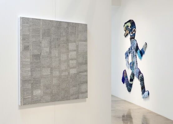 Through-Line: Drawing and Weaving by 19 Artists, installation view