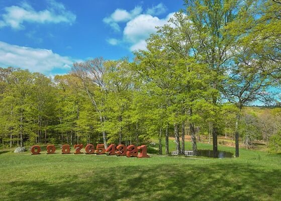 Robert Indiana: One through Zero at the Glass House, installation view