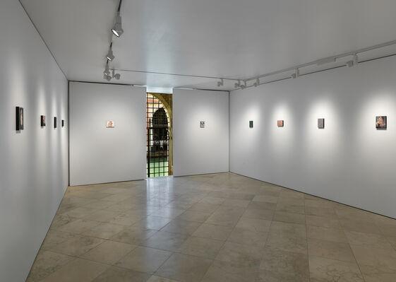 Secundino Hernández: Grapado a la piel, installation view