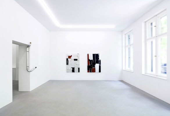 Mohamed Namou, Santiago Taccetti | حركة - Movimiento, installation view