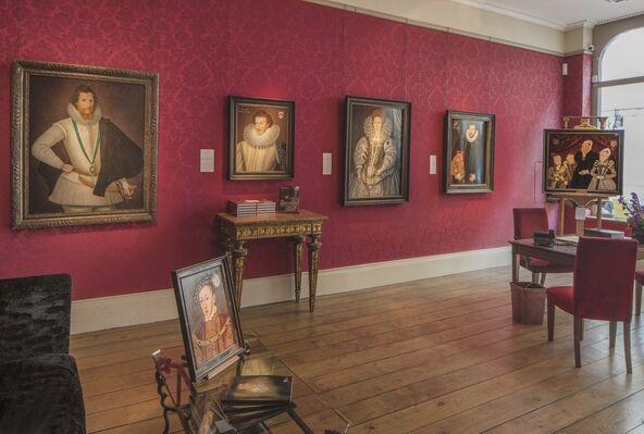 The Elizabethan Image: Tudor & Stuart Court Portraiture, installation view