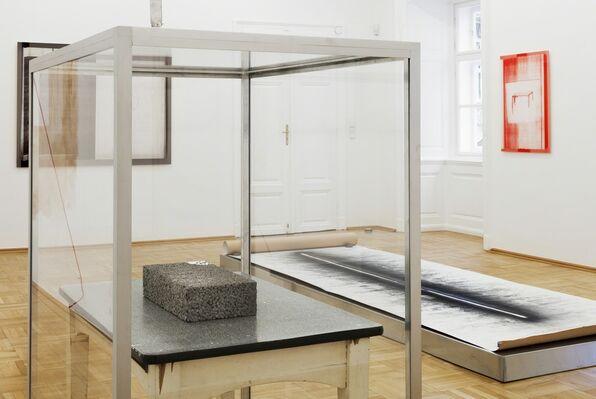 JOËLLE TUERLINCKX - Les Salons Paléolithiques, installation view