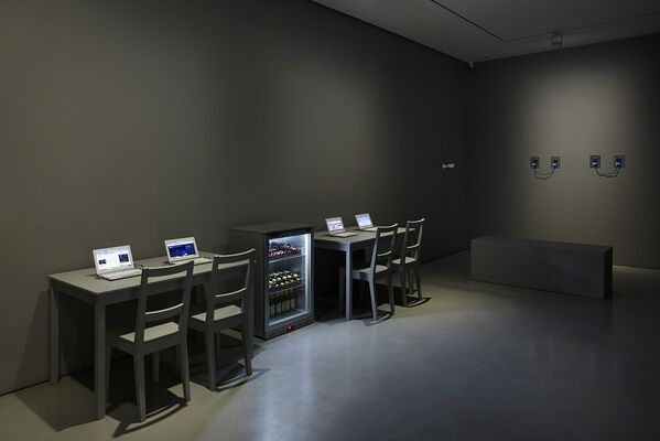 UBERMORGEN: u s e r u n f r i e n d l y, installation view