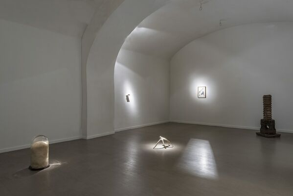 Giovanni Kronenberg _ with a critic text by Alessandro Rabottini, installation view