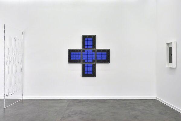 Movimientos, installation view
