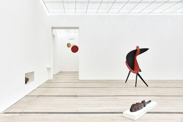Alexander Calder & Fischli/Weiss, installation view