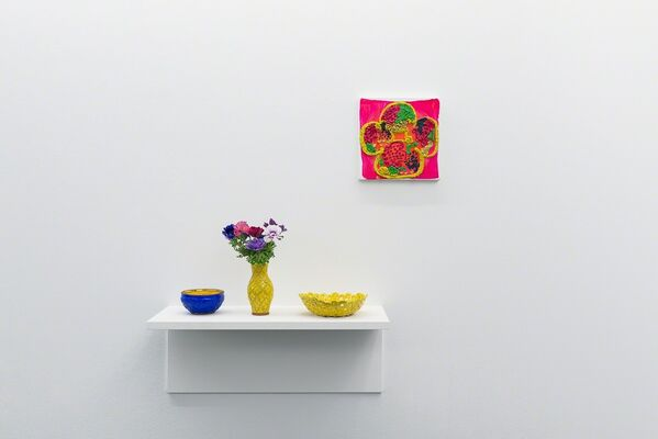Judy Ledgerwood »Every Day is Different« | Paintings and Majolica, installation view