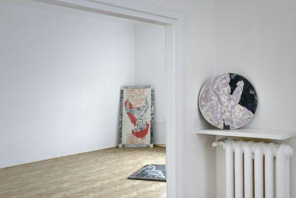 Zuzanna Czebatul : Ellipsism, installation view