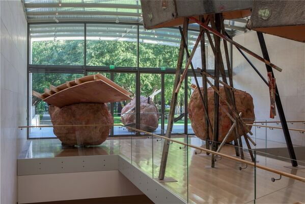 Phyllida Barlow 'tryst', installation view