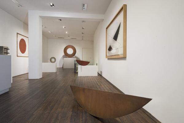 Mauro Staccioli: Lo spazio segnato / Marking space, installation view