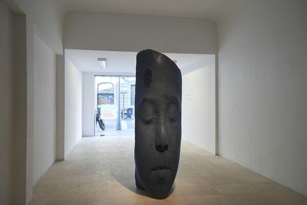 "El ""Bosc Blanc"" by Jaume Plensa, installation view"