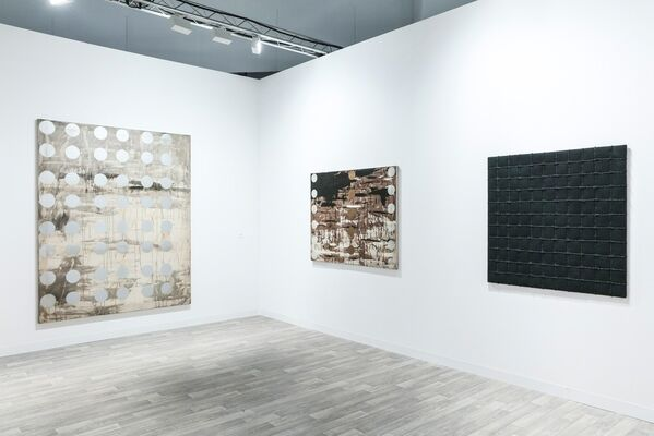 Kukje Gallery at Art Basel in Miami Beach 2016, installation view