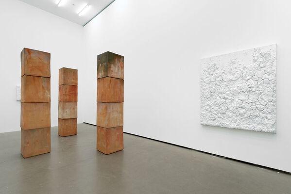 Bosco Sodi: Cubes, installation view