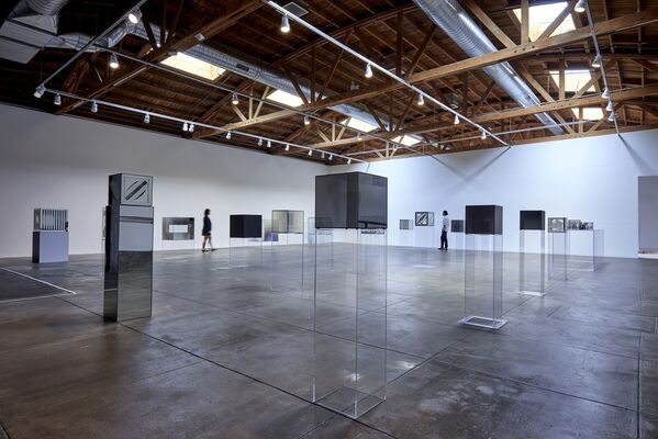 Larry Bell. Complete Cubes, installation view