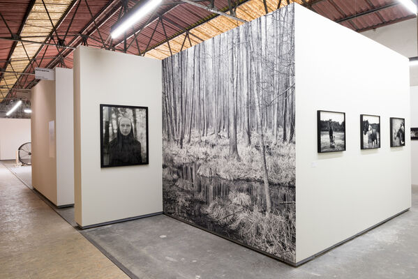 Alys Tomlinson: The Faithful at Rencontres d'Arles, installation view