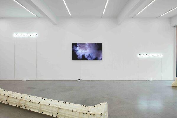 Berndnaut Smilde | Dismantled Ruben, installation view