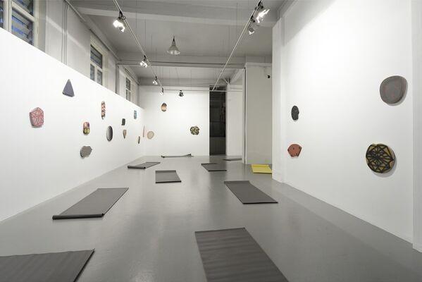 """Mikko Hintz """"on entre ok, on sort ok"""", installation view"""
