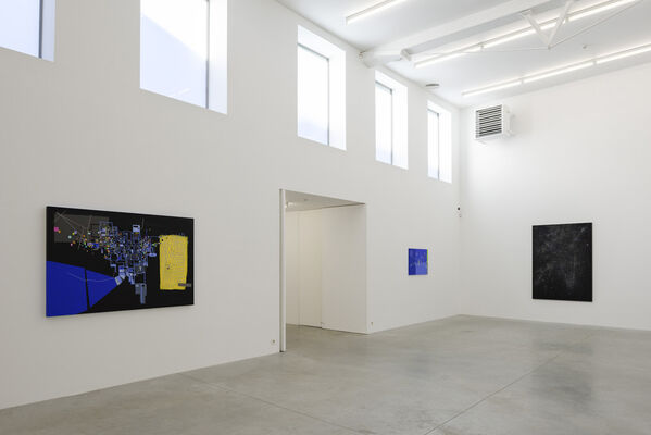 Bart Stolle - low fixed media show, installation view