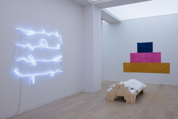 Mai-Thu Perret: Slow Wave, installation view