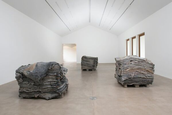 Berlinde de Bruyckere. Stages & Tales, installation view
