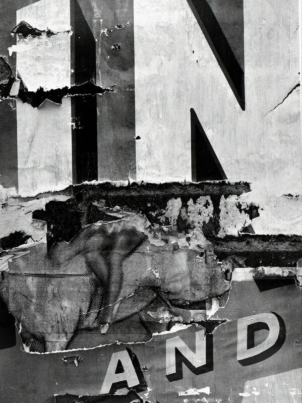 Aaron Siskind, 'North Carolina 30', 1951, Photography, Gelatin silver print; printed 1970s, Howard Greenberg Gallery