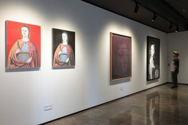 Portrait of a Lady / Seoul, installation view