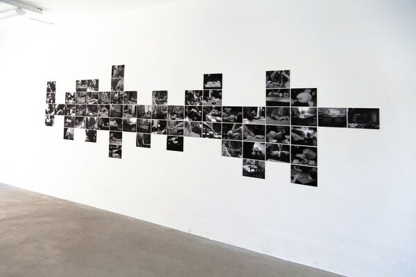 à table, installation view