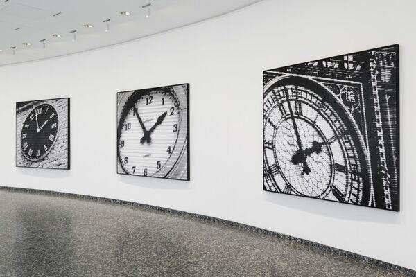 Bettina Pousttchi: World Time Clock, installation view