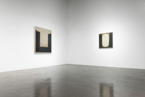 Yun Hyong-Keun x André Marfaing, installation view