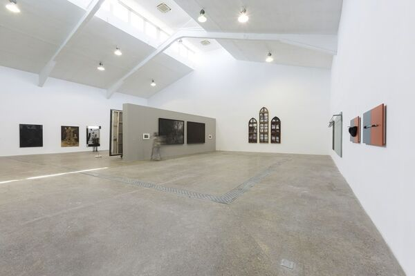Over the Wall: Paintings Tempted by Installation 出墙:面对裝置诱惑的绘画, installation view