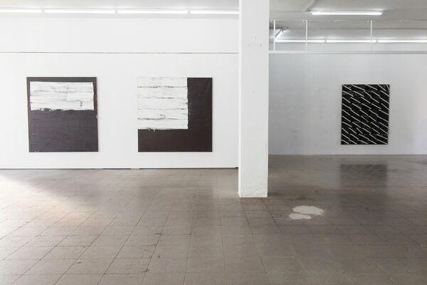 En blanc i negre   Joaquim Chancho, installation view