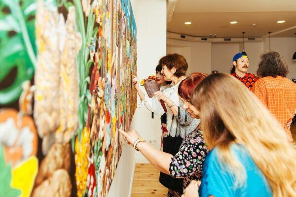 Armageddon: Exhibition by Nikita and Camille Kravtsov, installation view
