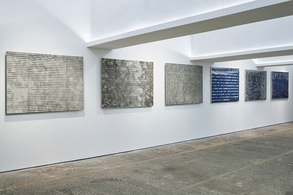 Mat Chivers: Harmonic Distortion, installation view