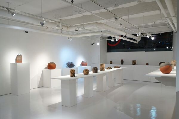 Japanese Living National Treasures in Ceramics and Metal, installation view