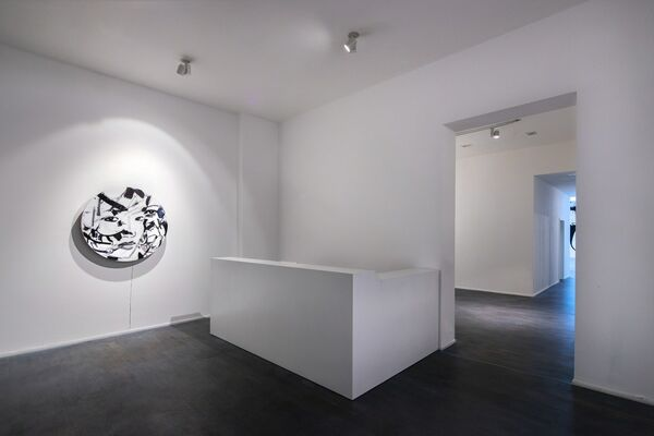 Luciano Castelli - Revolving Paintings, installation view