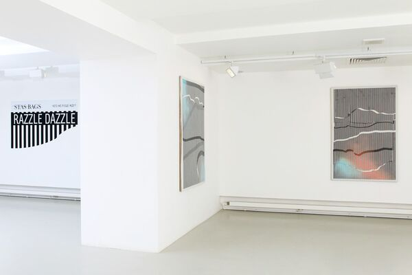 Stas Bags. Razzle Dazzle / What am I still waiting for, installation view
