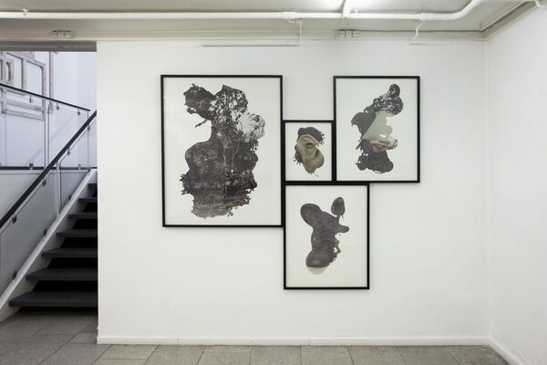 PETER HOLST HENCKEL: Priming and Framing, installation view