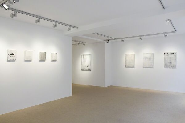 Hideaki Yamanobe - Works on paper and canvas, installation view