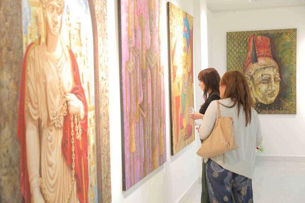 22 kisses exhibition (RANDA HIJAZI), installation view