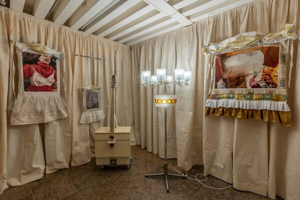 THE PARENTS' BEDROOM SHOW, installation view