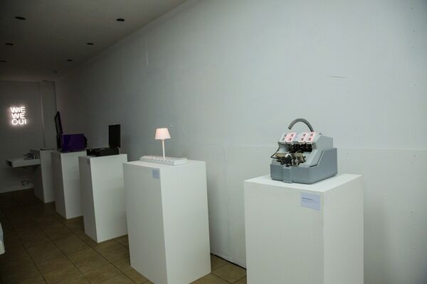 Frankey ON CANAL, installation view