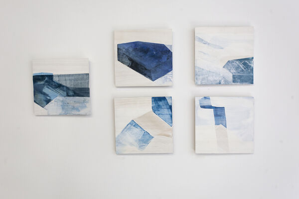 I SINK INTO THE BLUE, installation view